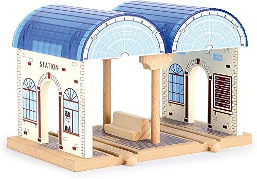 Bavaria Home Style Collection Holzeisenbahn - Holz Eisenbahn - Aus robustem Holz gefertigt, lässt er Sich mit Allen handelsüblichen Eisenbahnen kombinieren (Hauptbahnhof)