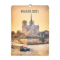 LE CHARME ÉTERNEL DE LA VILLE LUMIÈRE : Promenez-vous tout au long de l'année 2021 dans les plus beaux endroits de Paris ! Des Champs-Elysées à Montmartre, en passant par le pont Alexandre III, le calendrier vous dévoilera 12 superbes photographies d...