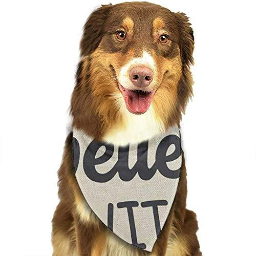 YAGEAD Pañuelo para Perros Cachorro y pañuelos para Mascotas, Palabras en Naranja y Negro La Vida es Mejor con Perros Paw Prints Flechas Amor para el Amante del Perro Bufanda para Mascotas