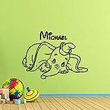 Lindo Dumbo calcomanía de pared elefante de dibujos animados cartel nombre personalizado chico habitación de bebé vinilo pegatina decoración de habitación de juego arte de pared de jardín de infantes