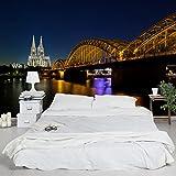 Apalis Vliestapete Köln bei Nacht Fototapete Breit | Vlies Tapete Wandtapete Wandbild Foto 3D Fototapete für Schlafzimmer Wohnzimmer Küche | mehrfarbig, 94955