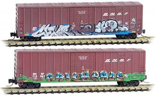 Micro-Trains MTL Z-Scale 50ft Rib Side Box Cars BNSF Weathered & Graffiti 2-Pack
