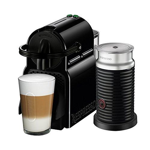 NESPRESSO  Cafetera Inissia con Espumador de leche, Color Negra. (Incluye obsequio de 14 cápsulas de café)