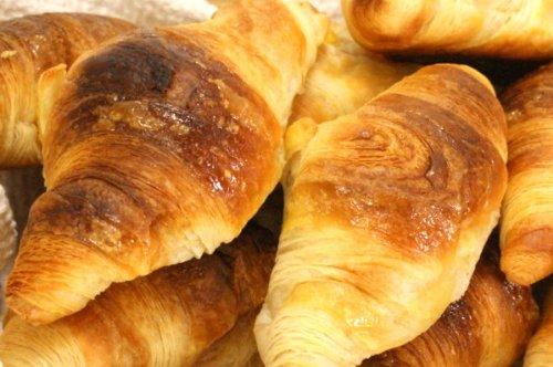 冷凍パン生地 クロワッサン ベイクアップ 60g 50個 フランス産 業務用 二次発酵不要【袋入り】