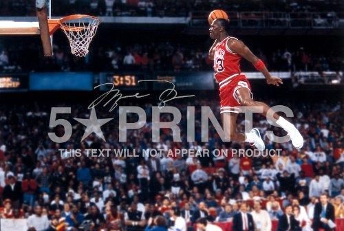 Poster autografato con foto di Michael Jordan che gioca nella NBA per i Chicago Bulls, da 30,5x 20,3cm