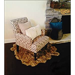 Fur Accents Faux Fur Pelt Rug/Americana Collection/Designer Throw Carpet/Wolf/Coyote (5'x6′)