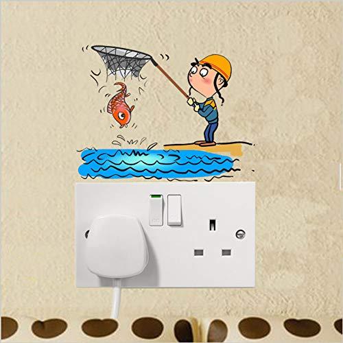 XZCSTY Lichtschalter Aufkleber Spaß Fängt Fisch In Mann Der Netto Lecks Fisch Und Läuft Weg PVC Wand Aufkleber Hause Schalter Aufkleber