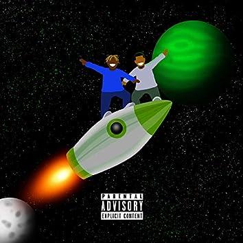 Rocket (feat. Strapp2ppz)