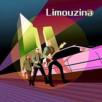 Limouzina