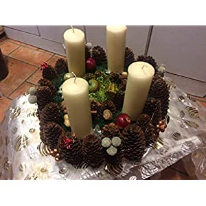 Adventskranz mit einer oder vier Kerzen