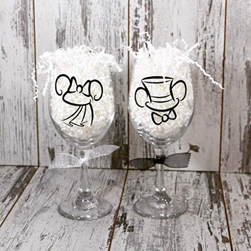 Mickey And Minnie Bride and Groom Wine Glass wedding glasses