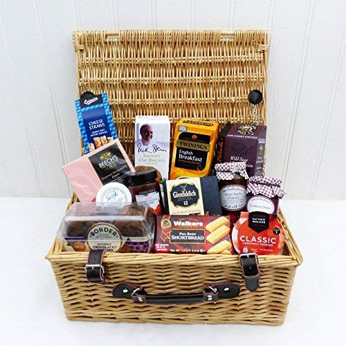 Traditional Wicker Gift Gourmet Food Hamper Basket (13 Items) Albany range - Perfect idea for Christmas, Mum, Mother's Day, Birthday, Anniversary, Business, Corporate, him, her, Dad, Fathers Day