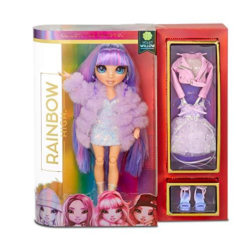 Rainbow High, Violet Willow, Bambola da collezionare, Colore Viola, Vestita con completini eleganti, accessori e supporto per bambole, Rainbow High Serie 1, Regalo ottimo a partire dai 6 anni