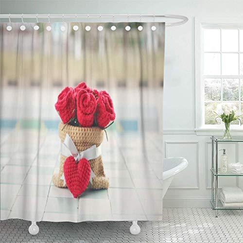 lovedomi Tenda da doccia Bouquet bianco di rose rosse all'uncinetto in sacco a cuore Set di tende da doccia con 12 ganci 72 x 72 pollici Tessuto in poliestere impermeabile