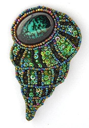 Broche almeja negro y verde de porcelana y cuentas de cristal–Bijou Fantasía