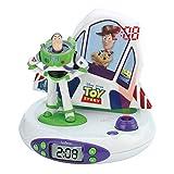 Lexibook Toy Story, Disney Pixar-Radio Reloj Despertador con Buzz y Woody, proyección Luminosa de la Hora en el Techo, Efectos sonoros (RP505TS), Color Blanco/Verde