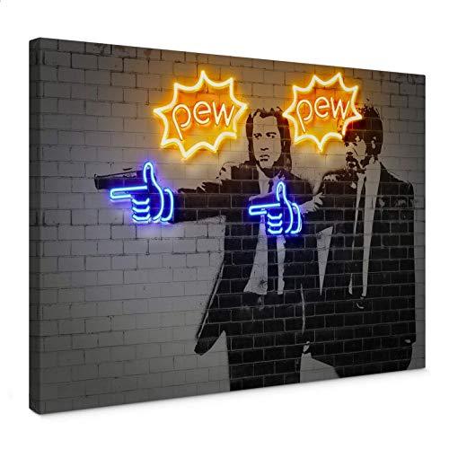 Leinwandbild Mielu - Pew Pew Kunstdruck Pop Art Pulp Fiction Film Filmszene John Travolta Samuel L. Jackson Mauer Steinoptik mit Aufhängematerial Wall-Art - 100x70 cm