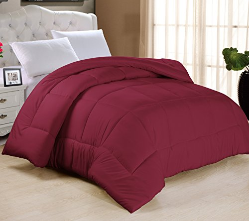 Swift Home All-Season Extra Soft Luxurious Classic Light-Warmth Goose Down-Alternative Comforter, Queen 90' x 90', Burgundy
