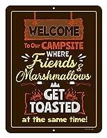 友人たちのキャンプ場へようこそ メタルポスタレトロなポスタ安全標識壁パネル ティンサイン注意看板壁掛けプレート警告サイン絵図ショップ食料品ショッピングモールパーキングバークラブカフェレストラントイレ公共の場ギフト