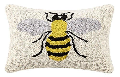 Peking Handicraft Bee, 8x12 Hook Pillow