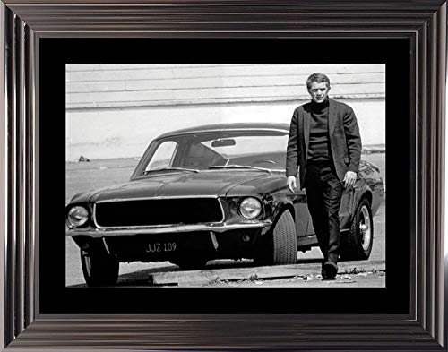 Fotolijst, zwart en wit, Bullitt - Steve Mc Queen en zijn Ford Mustang - 50 x 70 cm (lijst Glascow)