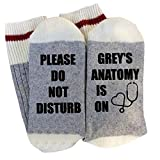 LAANCOO de Adulto Calcetines, algodón Impresa Letra de la Novedad Divertida de Calcetines de Punto (Favor de No Molestar Anatomía de Grey está Encendido)