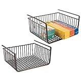 mDesign Juego de 2 estantes de cocina colgantes de metal resistente – Cestas metálicas grandes para cocina y despensa – Robusta cesta colgante para alimentos y utensilios de cocina – negro