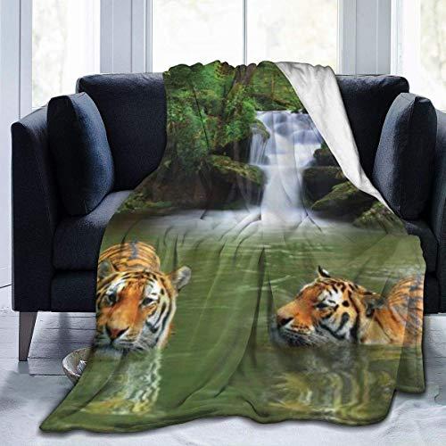 Hdaw Manta de microforro polar ultrasuave, diseño de tigres siberianos en agua, cascada, piscina, bosque, natación, natural, decoración del hogar, cálida manta para sofá cama