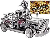 BRUBAKER Weinflaschenhalter Feuerwehr - Feuerwehrauto Metall Skulptur Flaschenständer - 32 cm Metallfigur Wein Geschenk für Feuerwehrmänner und Feuerwehrfrauen - mit Grußkarte