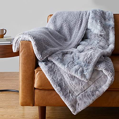 """Amazon Basics Fuzzy Faux Fur Sherpa Throw Blanket, 50""""x60"""" - Grey Tie Dye"""