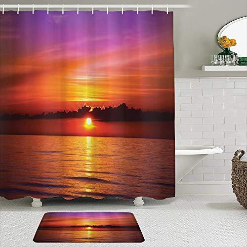 Juego de cortinas y tapetes de ducha de tela,Océano Puesta de sol romántica en la playa Rayos del sol Reflejo en el ma,cortinas de baño repelentes al agua con 12 ganchos, alfombras antideslizantes