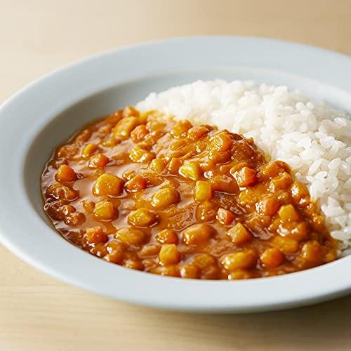 小さめに角切りにされたお野菜は、柔らかく煮こまれて食べやすそうです。マイルドな甘口カレーで、初めてのカレーにもおすすめです。