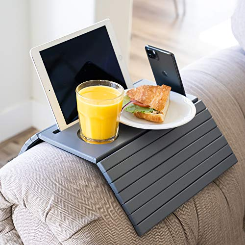 Designer Dacor Soporte para sofá y soporte para iPad, soporte para reposabrazos de 5,5 pulgadas y más amplio. Mesa plegable portátil para sillón.
