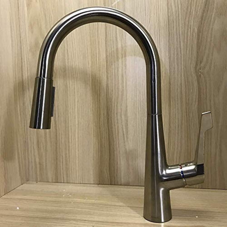 Wasserhahn Die Küchenarmatur Kann Gezogen Und Gedreht Werden, Um Das Wasser Herauszuschalten.