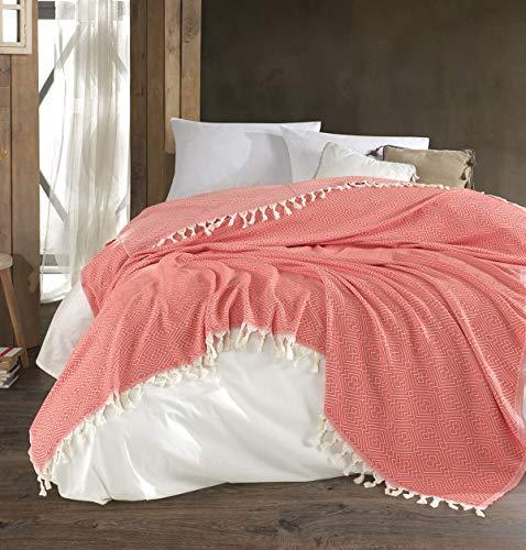 Belle Living Hitit Tagesdecke Überwurf Decke - Wohndecke hochwertig - perfekt für Bett & Sofa, 100prozent Baumwolle - handgefertigte Fransen, 200x250cm (Koralle)
