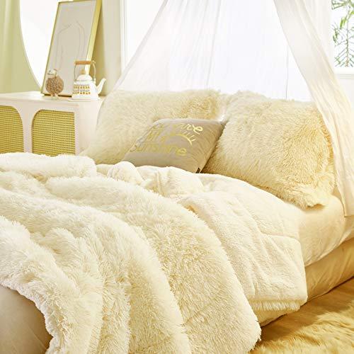 FlySheep Luxury Faux Fur Long Hair Beige (Little Yellow) Shaggy Velvet Comforter Plush Sherpa Backing Bedding Set Warm for Winter - Soft Microfiber (Cream White, King)
