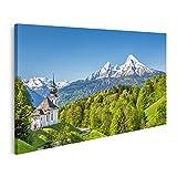 Bild Bilder auf Leinwand Wunderschöne Berglandschaft in