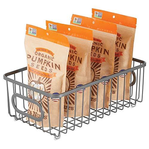 mDesign Küchenkorb aus Metall – flexibler Aufbewahrungskorb für die Küche, Vorratskammer etc. – kompakter und universeller Drahtkorb mit Griffen – grau
