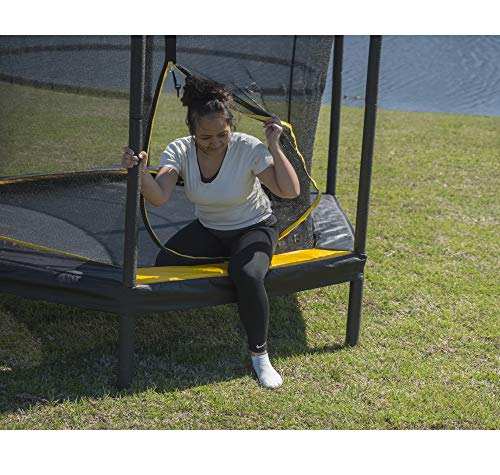 JumpKing Black/Yellow 7.5-Foot Trampoline with Enclosure