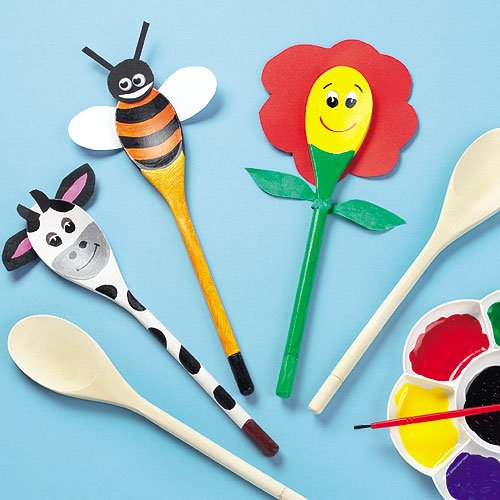 Baker Ross E8262 Wooden Spoons to Decorate-Pack of 8, Craft Kits for Kids to Make and Design for Art Activities, 24cm