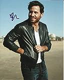 Edgar Ramírez firmó foto a color de 25,4 x 20,3 cm – Punto Break – Oro – Distribuidor en Persona – Registrado UACC # 242