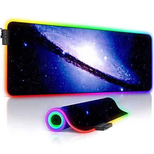 TITANWOLF - RGB Tappetino per Mouse da Gioco XXL - Mouse Pad Gaming - 800x300mm - 11 LED Colori e Effetti di Luce - Precisione e velocità - Lavabile - per Computer PC e Laptop - Galaxy