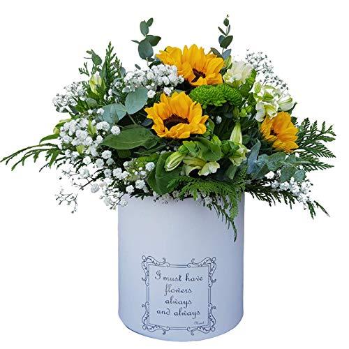 Botanic Dessign Ramo de flores naturales frescas variadas ENTREGA EN 24 HORAS DE LUNES A VIERNES con tres Girasoles y tallos de Margarita botón en verde intenso relleno con Eucalipto Parviflora y Tuya