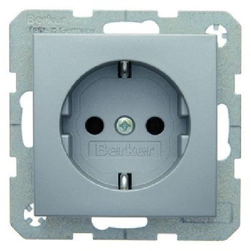 Berker geaarde stekker. aluminium mat 47431404 B.1;B.3;B.7;S.1 stopcontact 4011334224273