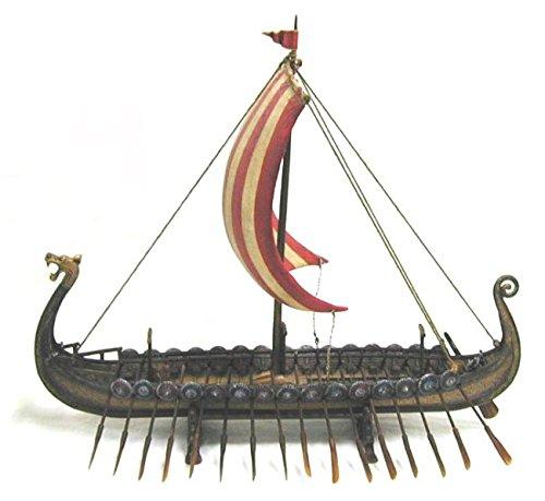 Wikingerschiff mit Drachenkopf Figur Wikingder Boot