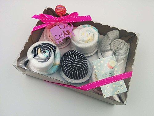 Regalo Muy Original para Recién Nacidos | 6 Cupcakes con: 1 BODY, 1 GORRITO, 2 pares de CALCETINES y 1 BABERO | Todo es de MARCA | Talla: 1-6 meses | Versión para Niñas