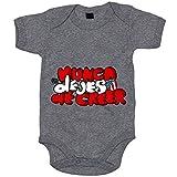 Body bebé letras nunca dejes de creer ilustrado por Jorge Crespo Cano - Gris, Talla única 12 meses