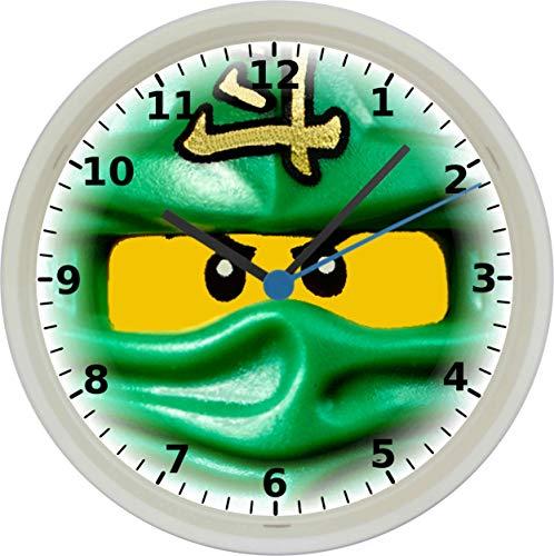Quartz Wanduhr mit Ninjago Motiv und lautlosem Uhrwerk im Gehäuse