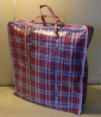 """Set of 4 Extra-Large Plastic Checkered Storage Laundry Shopping Bags W. Zipper & Handles Size 23""""x23""""x5"""" by Pride"""