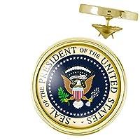 Pin's rond diamètre 20mm (logo 18mm) Modèle Seal of President USA Logo haute définition protégé par dome pvc serti Coloris Or Fabrication Française.